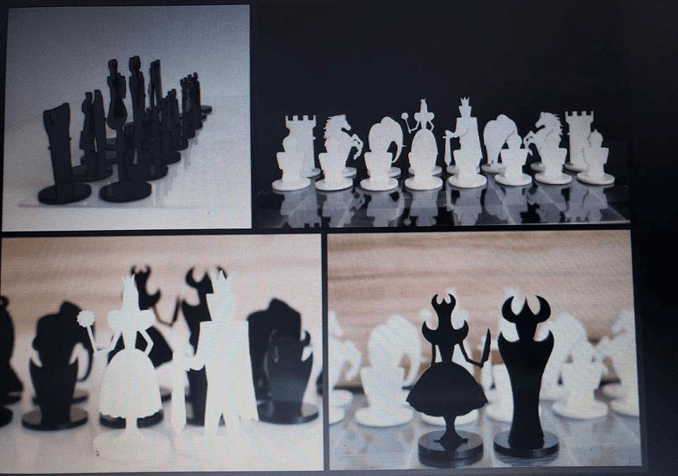 Juego de Ajedrez con piezas