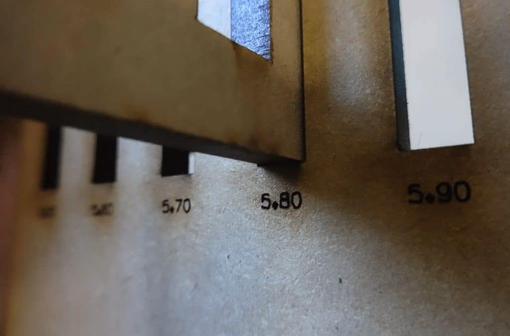 Ensambles CNC: Cómo calcular el grosor paso a paso